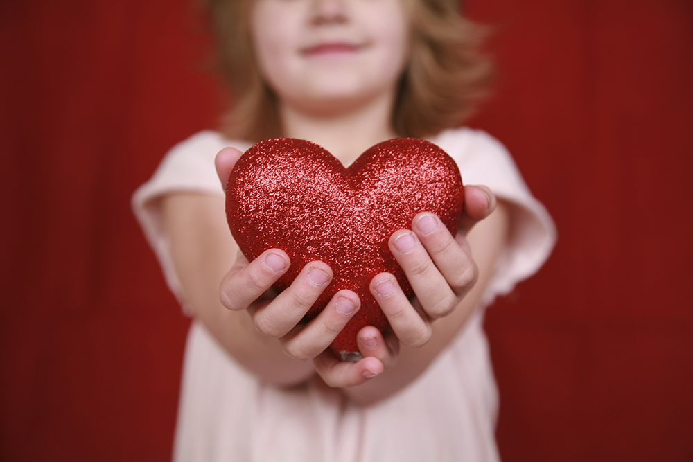 girl_with_heart